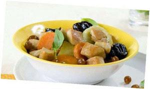 Цимес из курицы, картофеля и чернослива