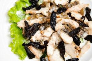Рецепт салата из курицы и чернослива