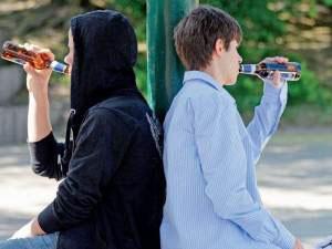 Краткосрочные риски  при употреблении алкоголя детьми