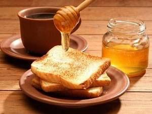 Мед и кленовый сироп - идеальные заменители белого сахара