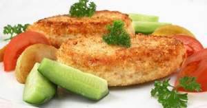 Рыбные котлеты, приготовленные на пару, с овощами