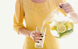 как приготовить и пить воду с лимоном